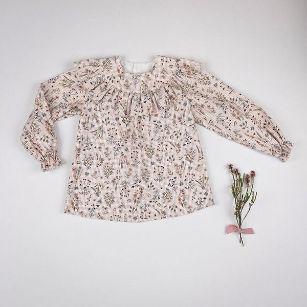 CAMISA FLORES ROSA NUDE.